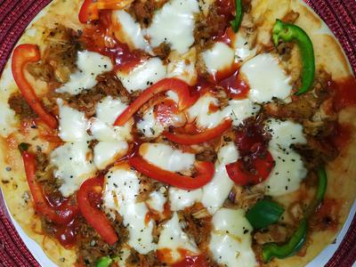 Special Chicken Cheese Pizza