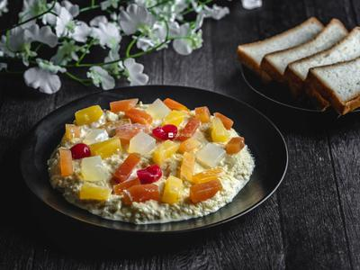 Fruits Trifle with Custard Pudding