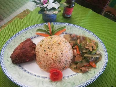 Chinese Combo (Egg Fried Rice, Chinese Vegetable, Chicken Fry)