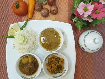 Daily Lunch Set Menu (5 persons) - CookupsX Economy Meals